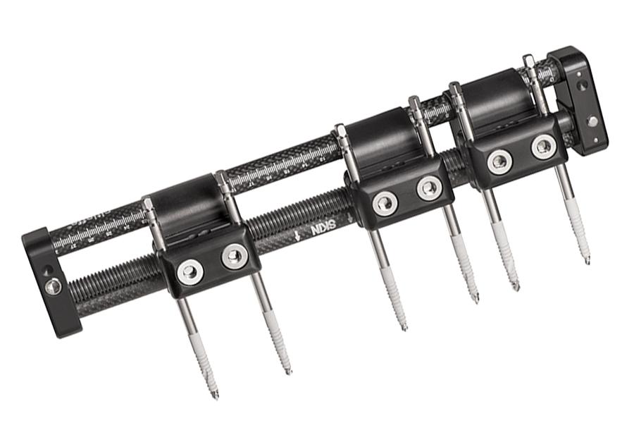 Rekrea body fixator clamps and bone screws